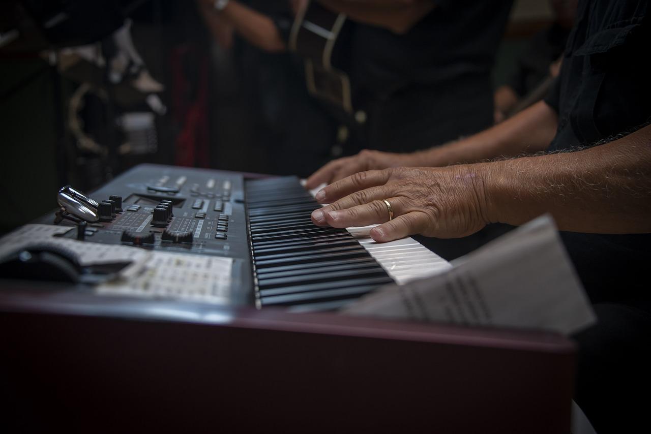 Znalezienie zespołu muzycznego na wesele, może się okazać nie lada wyzwaniem