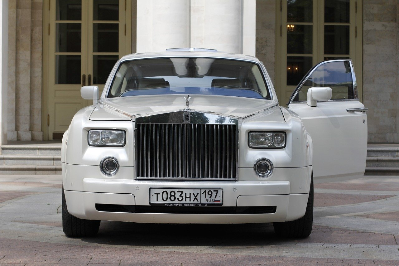Skąd pozyskać samochód na ślub?
