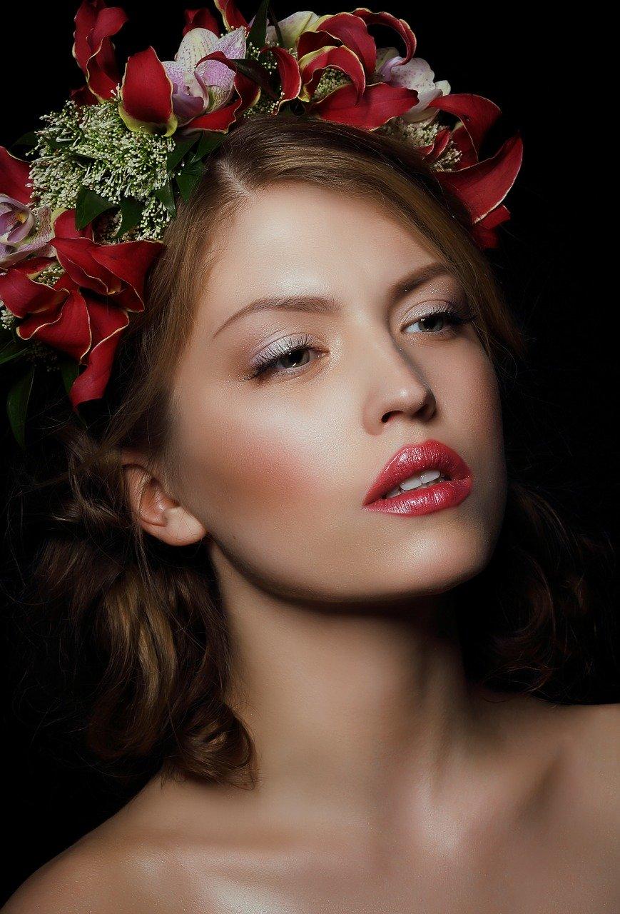 Czym się kierować przy wyborze makijażu na wesele?